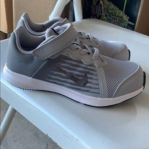 Nike downshifter 8 boys size 13c